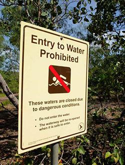 litchfield-park-wasserfall-schwimmverbot