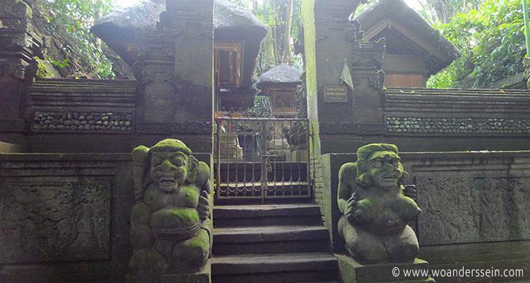ubud-monkey-forest7