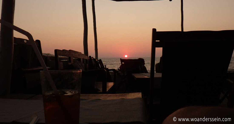 anjuna-beach-om-made-cafe-sunset