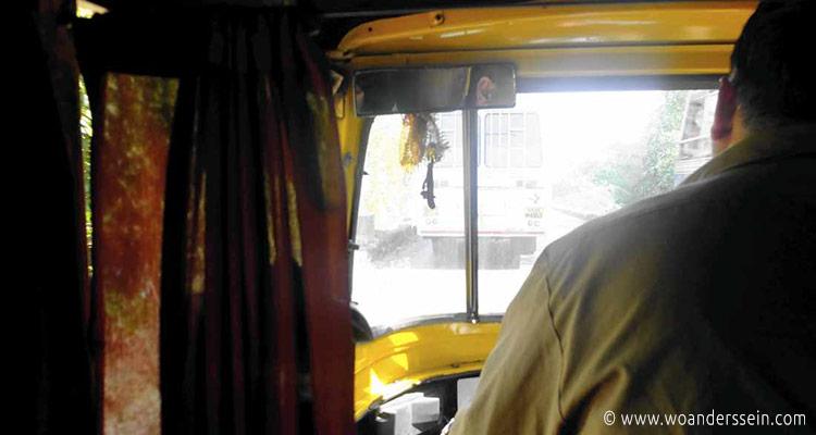 panaji-tuktuk-unterwegs