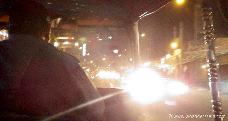 jaipur-tuktuk-abends