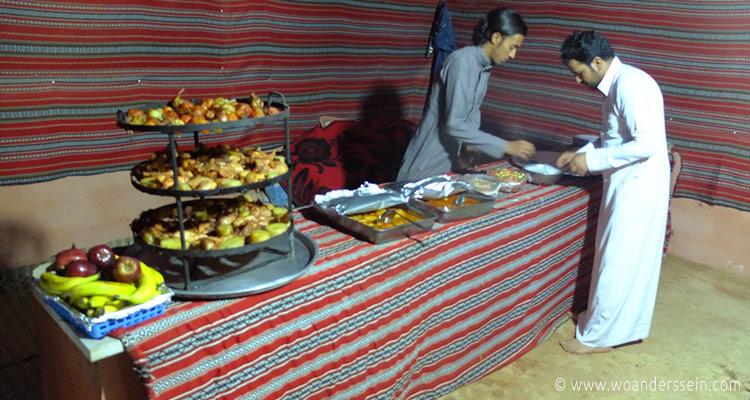 wadirum-bedoin-lifestyle-camp-abendessen4