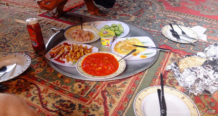 wadirum-bedoin-lifestyle-camp-lunch