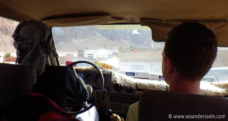 wadirum-taxi-zum-camp