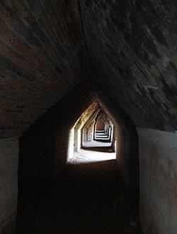 mandalay-tour-maha-aung-mye-bonzan-monastery-9