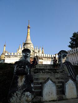 mandalay-tour-maha-aung-mye-bonzan-monastery-chi