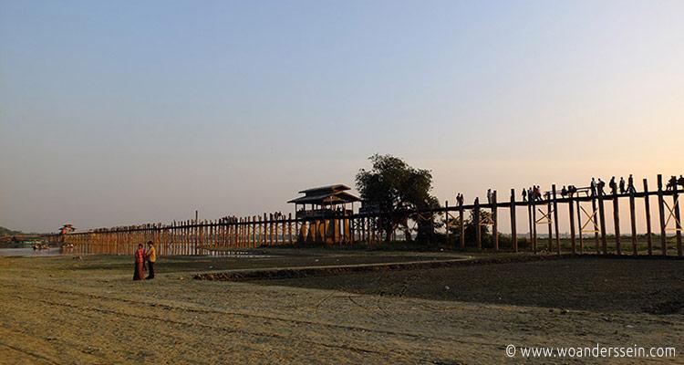 mandalay-tour-u-bein-bridge-2