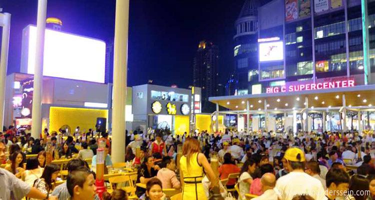 bangkok-central-world-plaza-biergarten