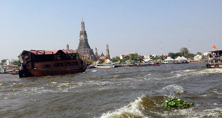 bangkok-neujahr2013-boot-watarun