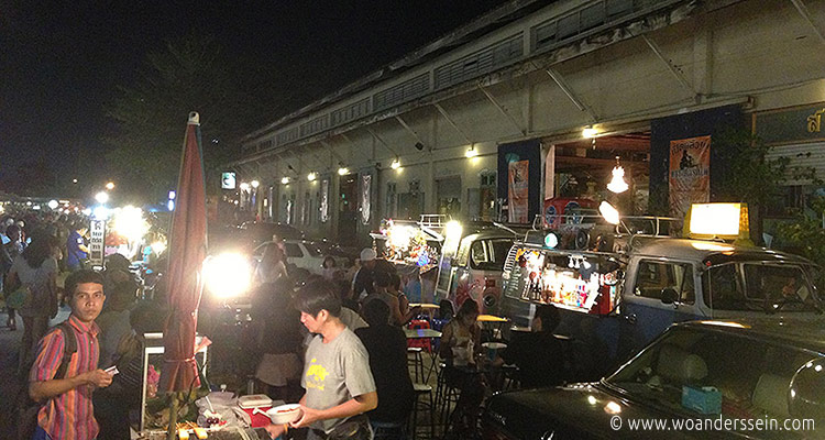 bangkok-rod-fai-night-market5