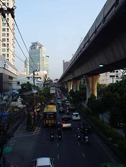 bangkok-sukhumvit-crossing