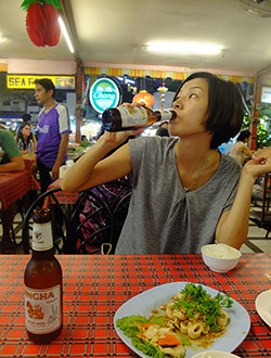 chiang-mai-night-bazaar-dinner-chi