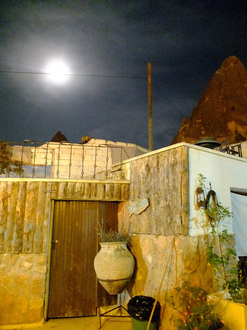 goreme-paradise-cave-nacht